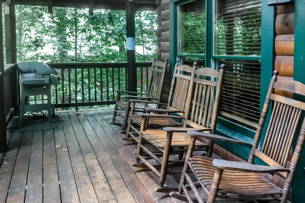 Photo of a Pigeon Forge Cabin named Holly Berry - This is the thirty-fifth photo in the set.