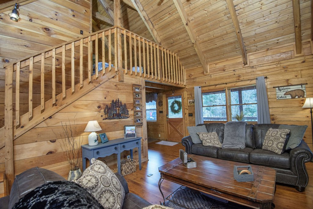 Photo of a Pigeon Forge Cabin named  Knotty Pine - This is the fifth photo in the set.