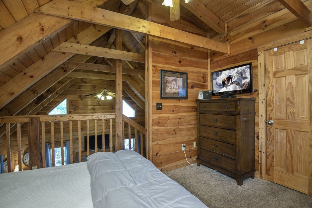Photo of a Pigeon Forge Cabin named  Knotty Pine - This is the seventeenth photo in the set.