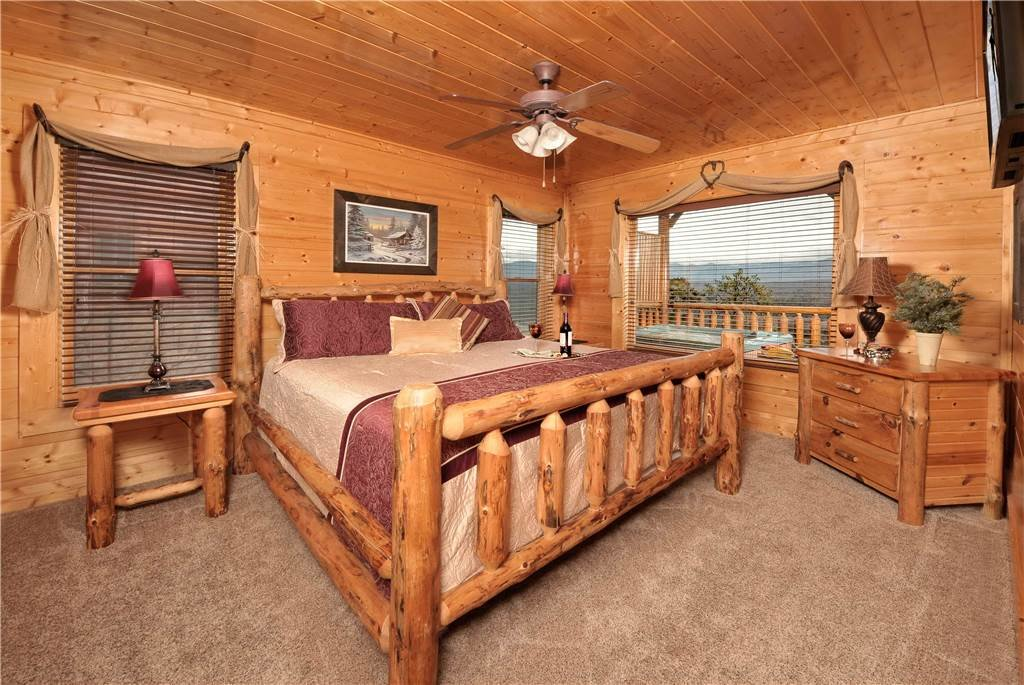 Photo of a Pigeon Forge Cabin named On Eagle's Wings - This is the fifteenth photo in the set.