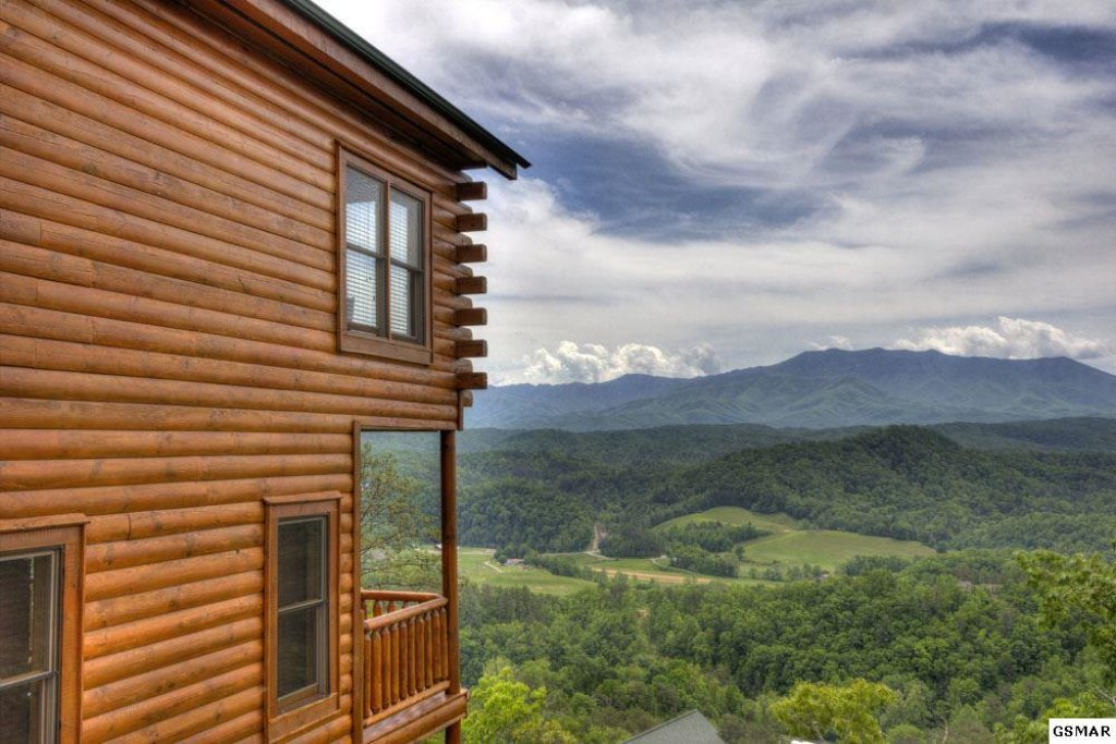 Photo of a Pigeon Forge Cabin named On Eagle's Wings - This is the thirty-sixth photo in the set.
