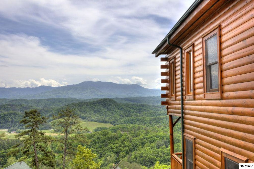 Photo of a Pigeon Forge Cabin named On Eagle's Wings - This is the thirty-fourth photo in the set.