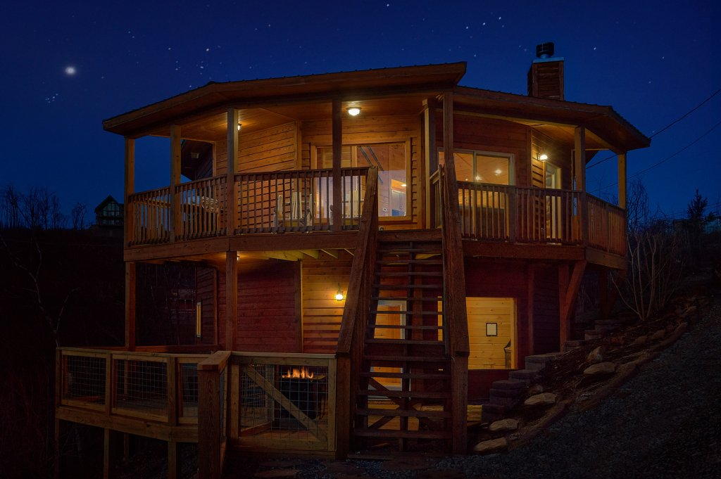Photo of a Gatlinburg Cabin named Ski Mountain Overlook - This is the fourth photo in the set.