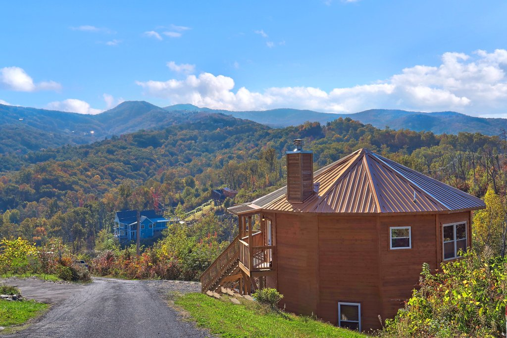 Photo of a Gatlinburg Cabin named Ski Mountain Overlook - This is the sixth photo in the set.