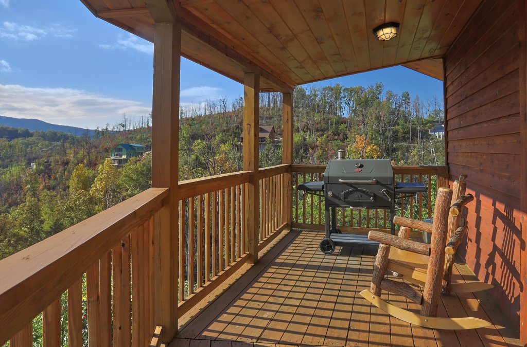 Photo of a Gatlinburg Cabin named Ski Mountain Overlook - This is the ninth photo in the set.