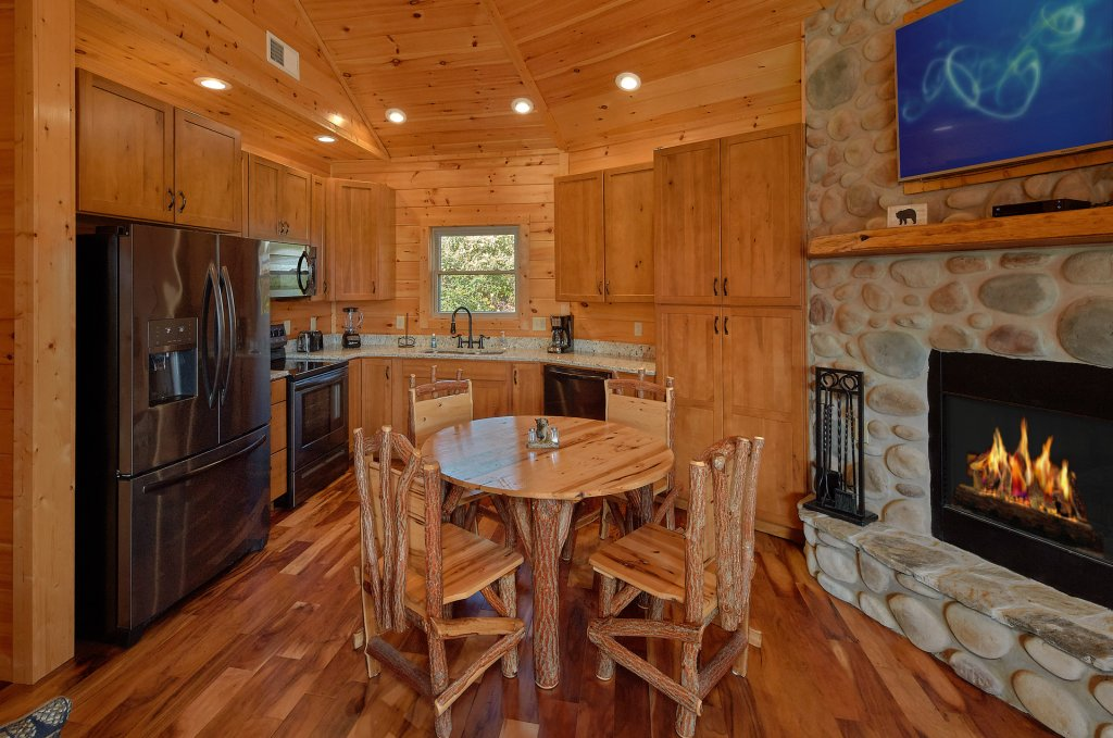Photo of a Gatlinburg Cabin named Ski Mountain Overlook - This is the sixteenth photo in the set.