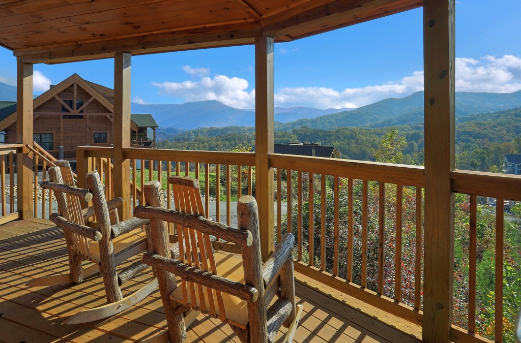 Photo of a Gatlinburg Cabin named Ski Mountain Overlook - This is the eighth photo in the set.