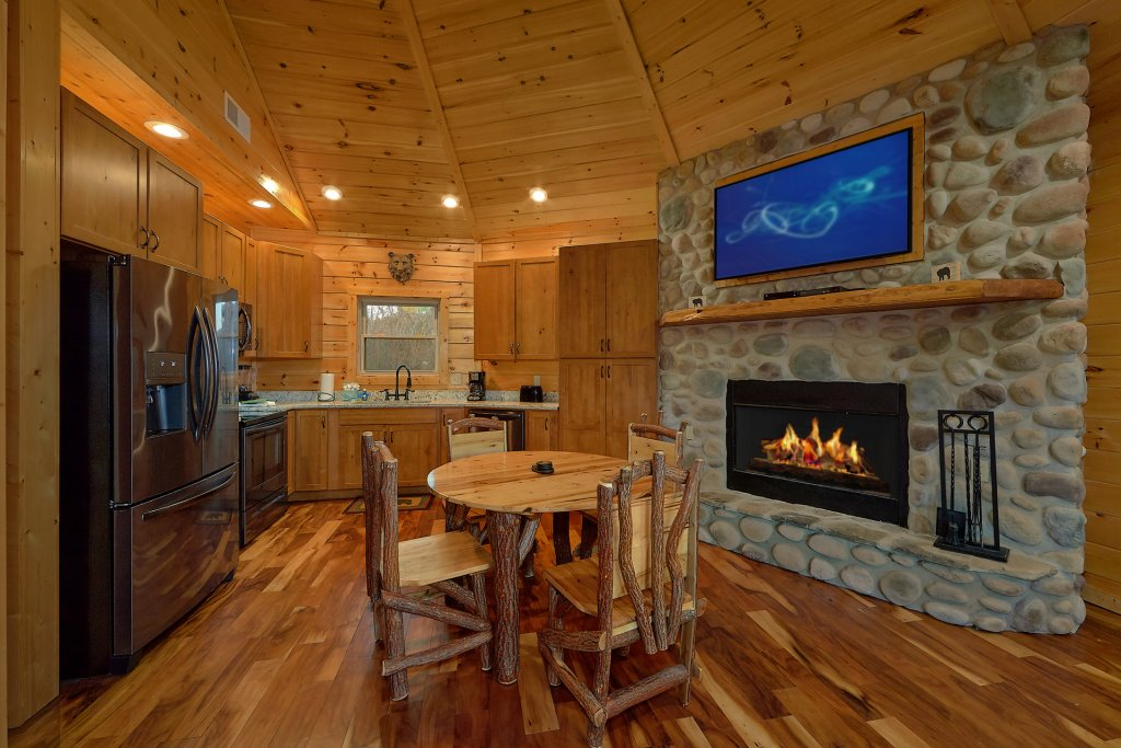 Photo of a Gatlinburg Cabin named Ski Mountain Overlook - This is the thirteenth photo in the set.