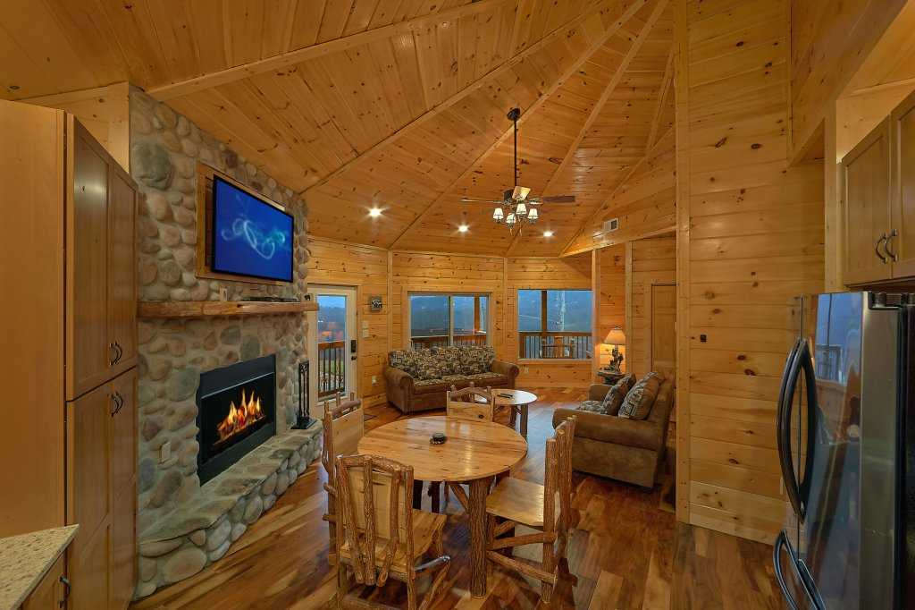 Photo of a Gatlinburg Cabin named Ski Mountain Overlook - This is the twelfth photo in the set.