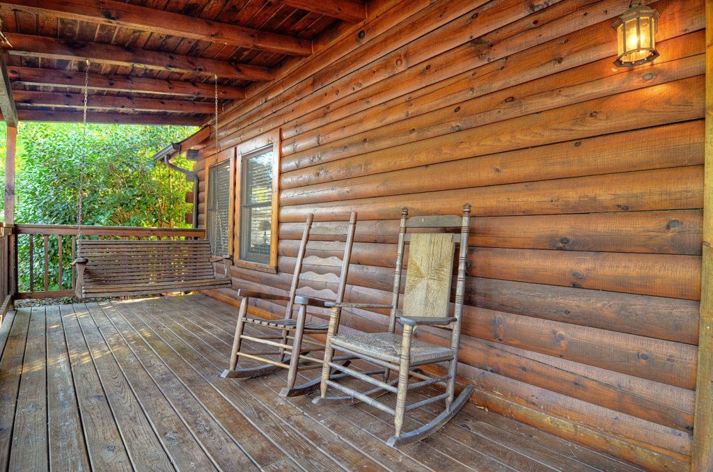 Photo of a Pigeon Forge Cabin named  Palmetto Place - This is the fourth photo in the set.