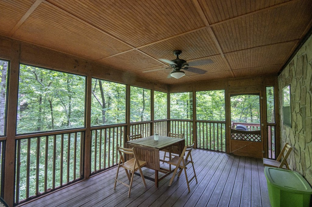 Photo of a Pigeon Forge Cabin named  Rising Eagle - This is the fifteenth photo in the set.