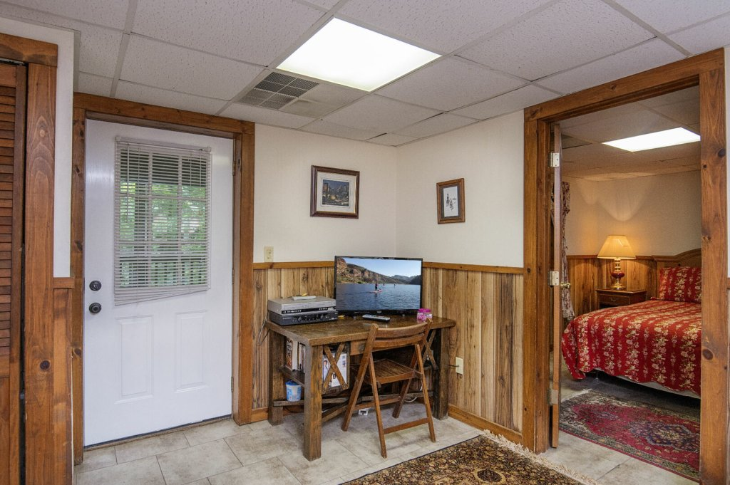 Photo of a Pigeon Forge Cabin named  Rising Eagle - This is the twenty-third photo in the set.