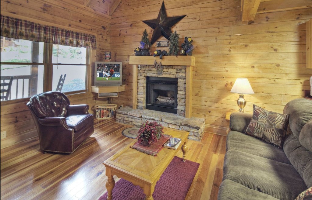 Photo of a Pigeon Forge Cabin named  Eagle's Beauty - This is the second photo in the set.