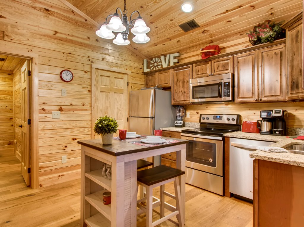 Photo of a Pigeon Forge Cabin named River Romance #2328 - This is the seventh photo in the set.