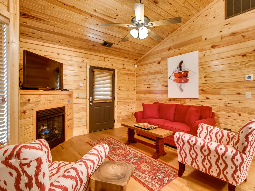 Photo of a Pigeon Forge Cabin named River Romance #2328 - This is the fifteenth photo in the set.