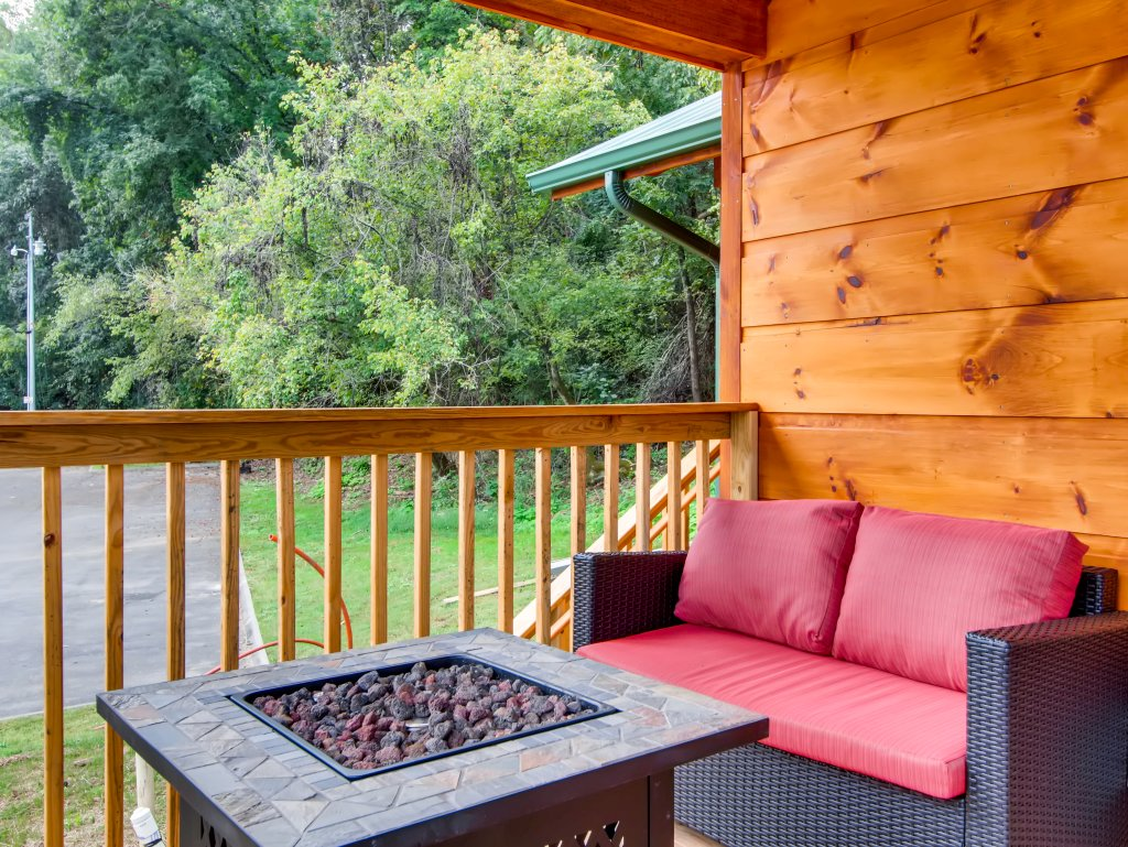 Photo of a Pigeon Forge Cabin named River Romance #2328 - This is the fifth photo in the set.