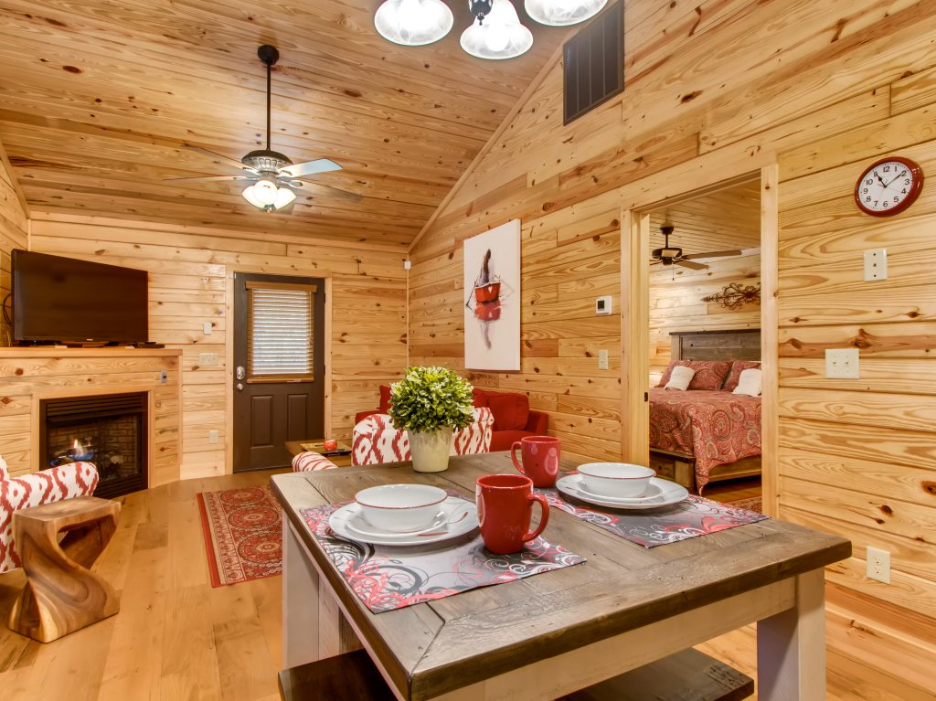 Photo of a Pigeon Forge Cabin named River Romance #2328 - This is the sixteenth photo in the set.