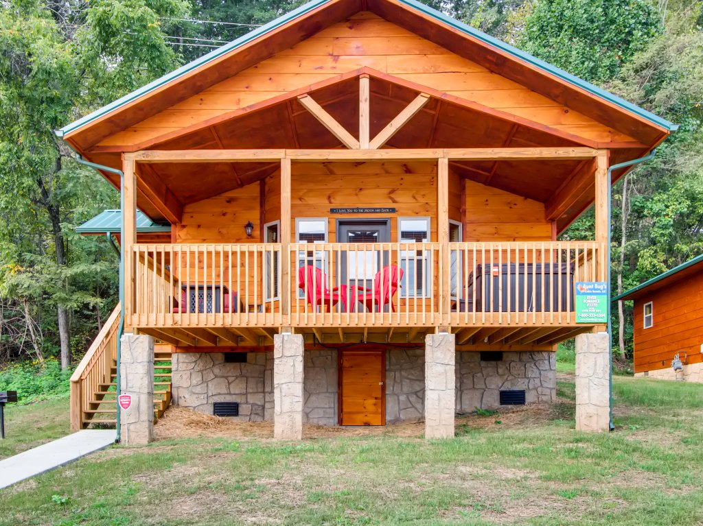 Photo of a Pigeon Forge Cabin named River Romance #2328 - This is the twenty-seventh photo in the set.
