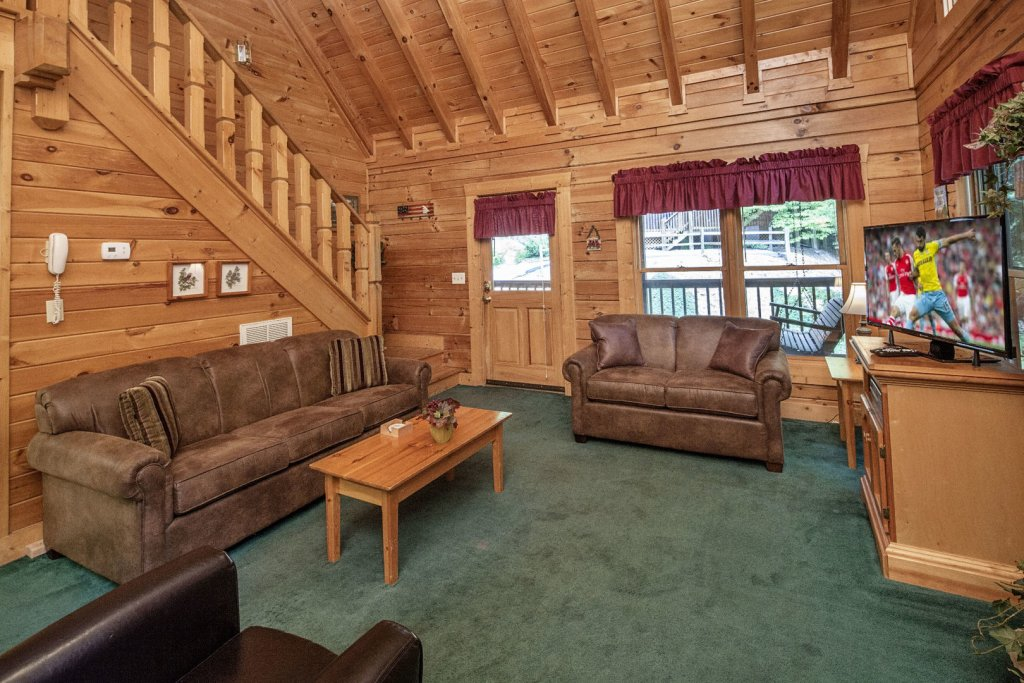 Photo of a Pigeon Forge Cabin named  Red Bird Haven - This is the sixth photo in the set.