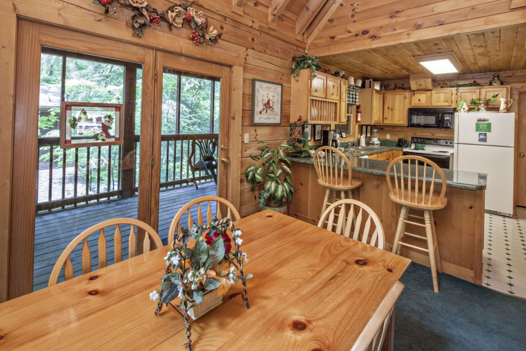 Photo of a Pigeon Forge Cabin named  Red Bird Haven - This is the eighteenth photo in the set.