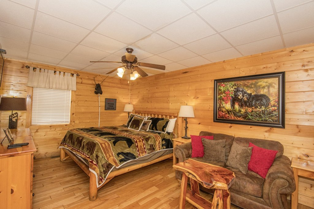 Photo of a Sevierville Cabin named  Eagles On High - This is the eighteenth photo in the set.