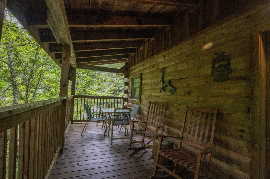 Photo of a Pigeon Forge Cabin named Mystic Mountain - This is the twenty-fourth photo in the set.