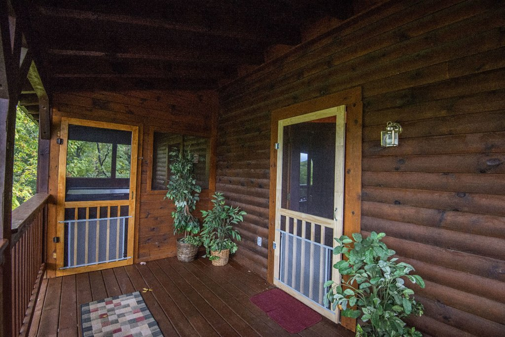 Photo of a Pigeon Forge Cabin named  Barbara's View - This is the eighteenth photo in the set.