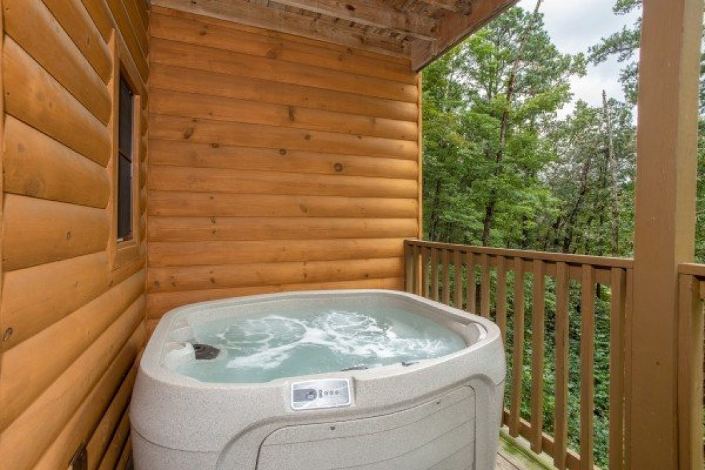 Photo of a Sevierville Cabin named Cabin Life - This is the seventeenth photo in the set.