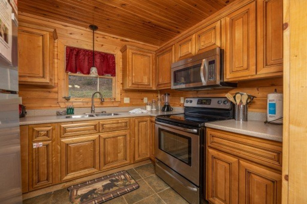 Photo of a Sevierville Cabin named Cabin Life - This is the seventh photo in the set.