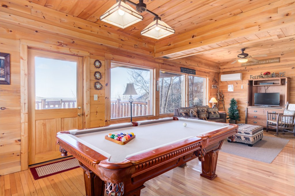 Photo of a Sevierville Cabin named Simply Breathtaking #36 - This is the fourteenth photo in the set.
