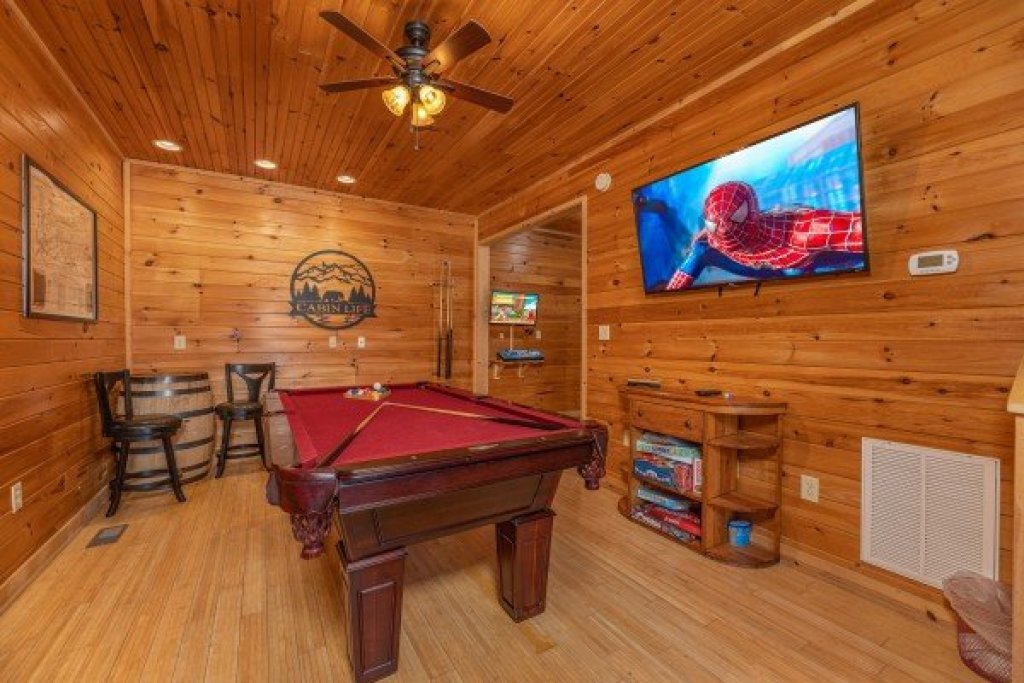 Photo of a Sevierville Cabin named Cabin Life - This is the fifteenth photo in the set.