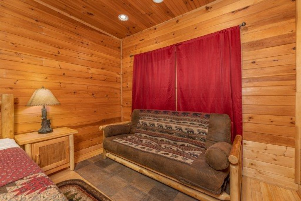 Photo of a Sevierville Cabin named Cabin Life - This is the twenty-first photo in the set.