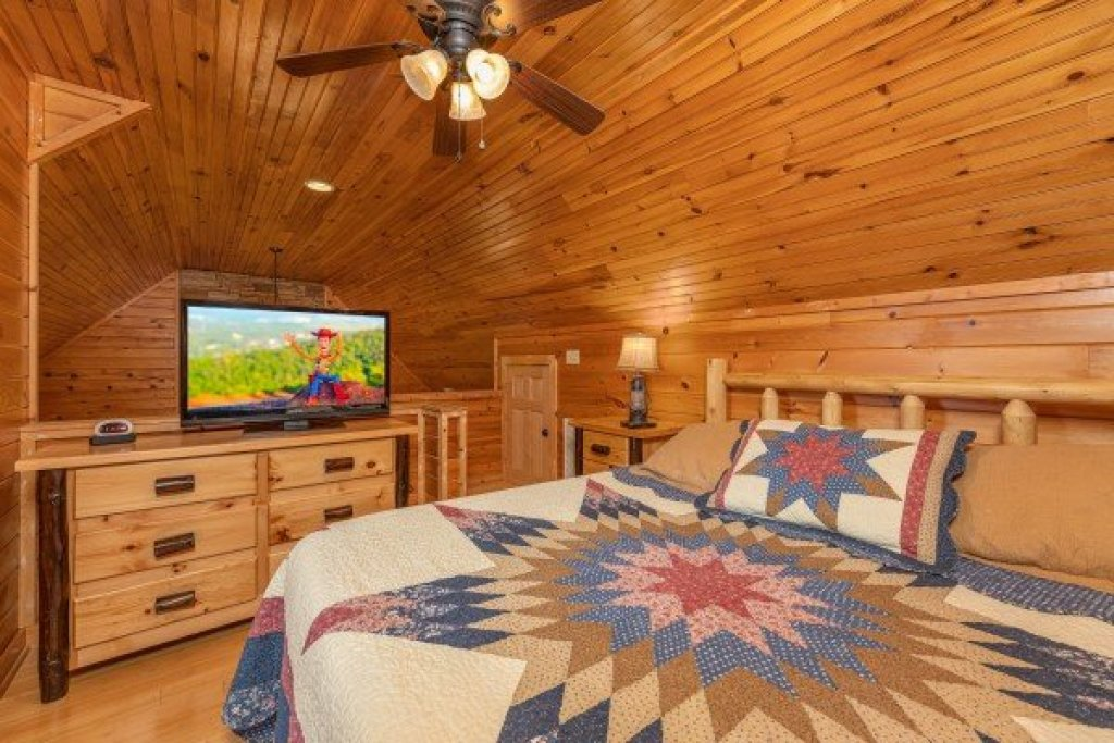 Photo of a Sevierville Cabin named Cabin Life - This is the twelfth photo in the set.