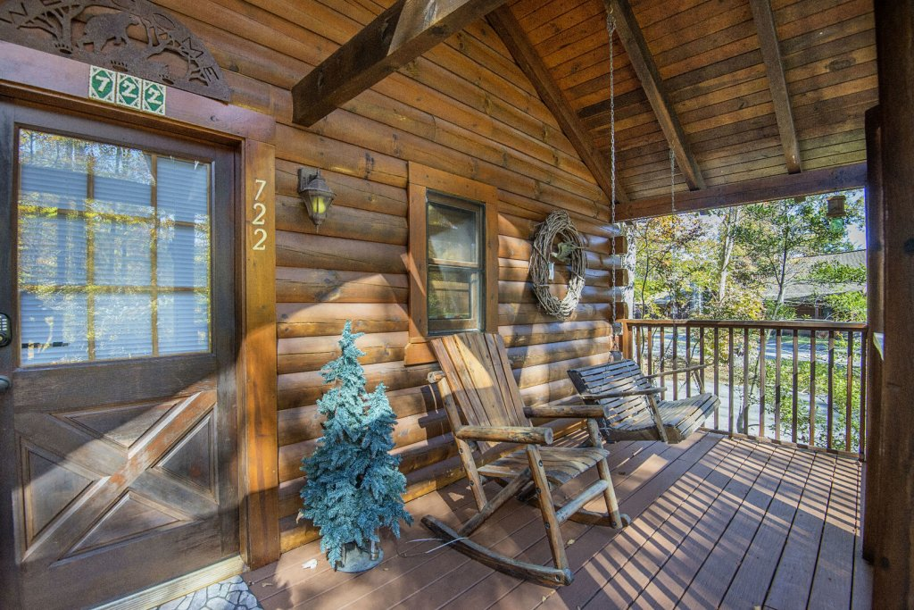 Photo of a Pigeon Forge Cabin named  Smoky Mountain Getaway - This is the twenty-first photo in the set.