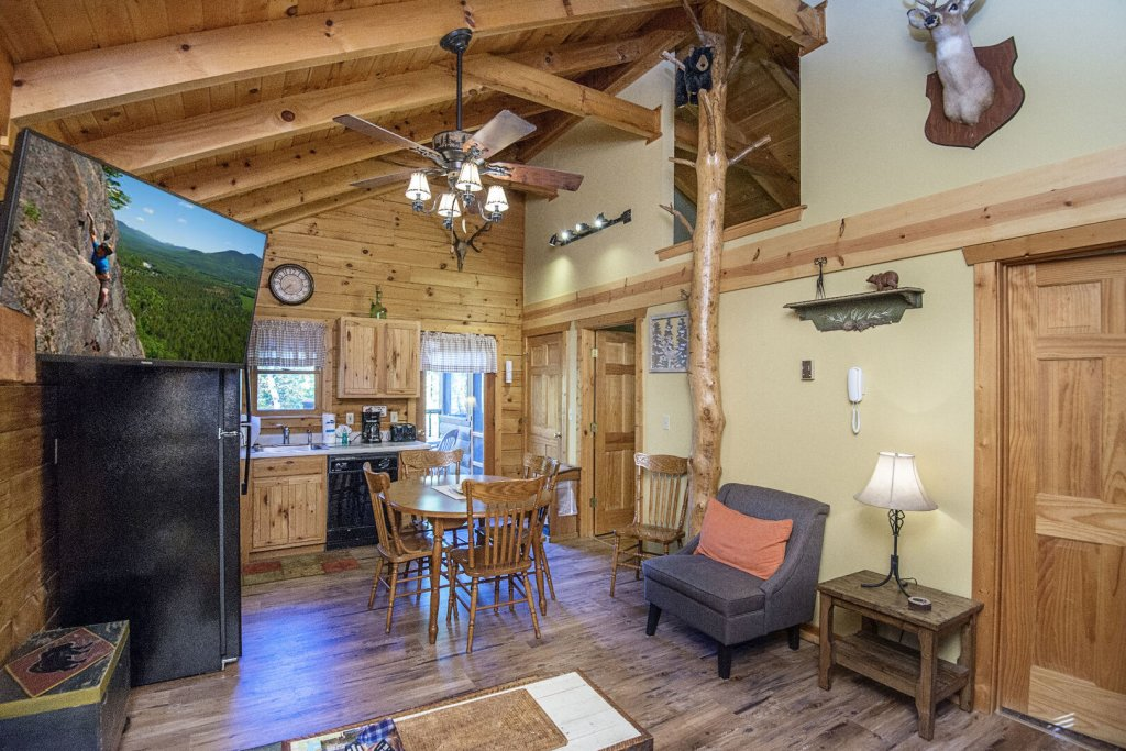 Photo of a Pigeon Forge Cabin named  Smoky Mountain Getaway - This is the fourth photo in the set.