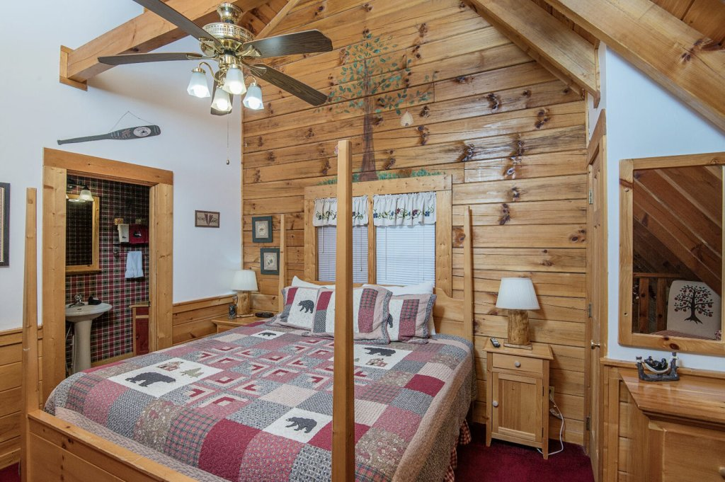 Photo of a Pigeon Forge Cabin named  Legacy Lodge - This is the sixteenth photo in the set.