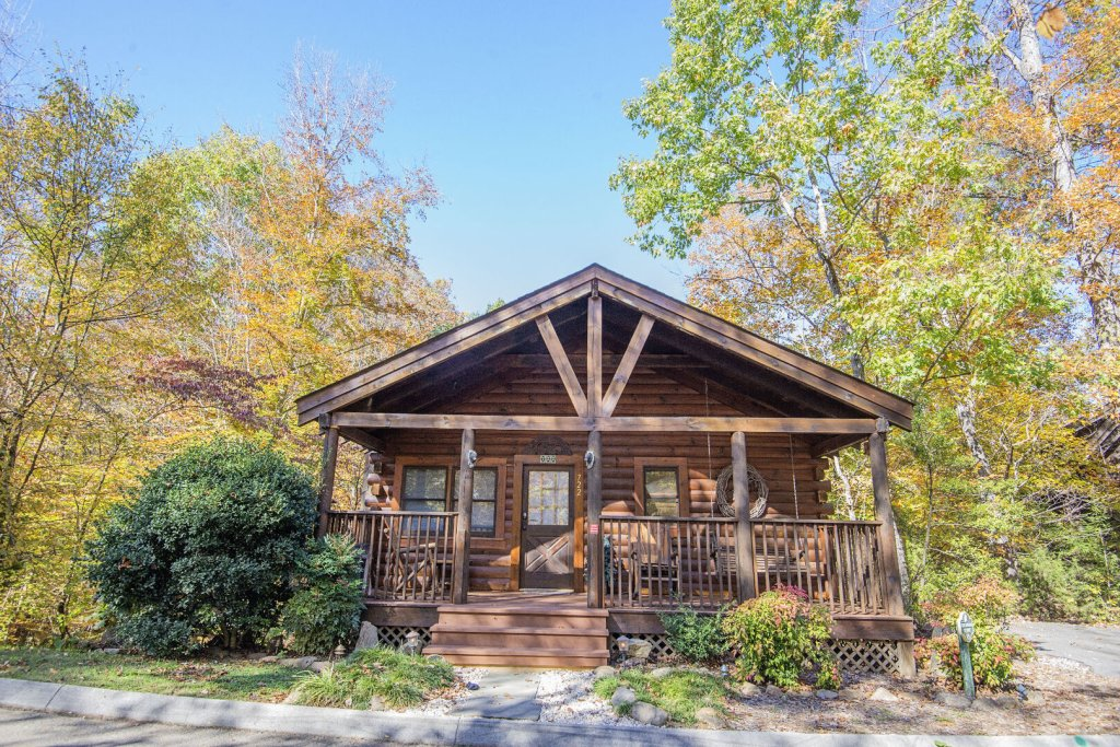 Photo of a Pigeon Forge Cabin named  Smoky Mountain Getaway - This is the first photo in the set.