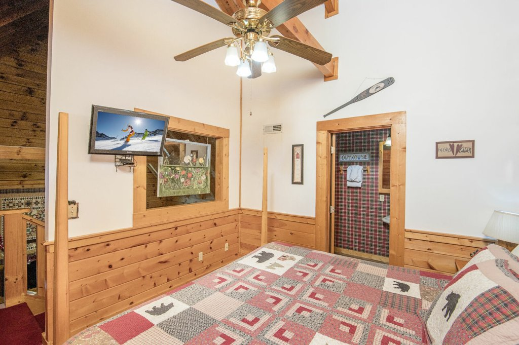Photo of a Pigeon Forge Cabin named  Legacy Lodge - This is the thirty-fourth photo in the set.