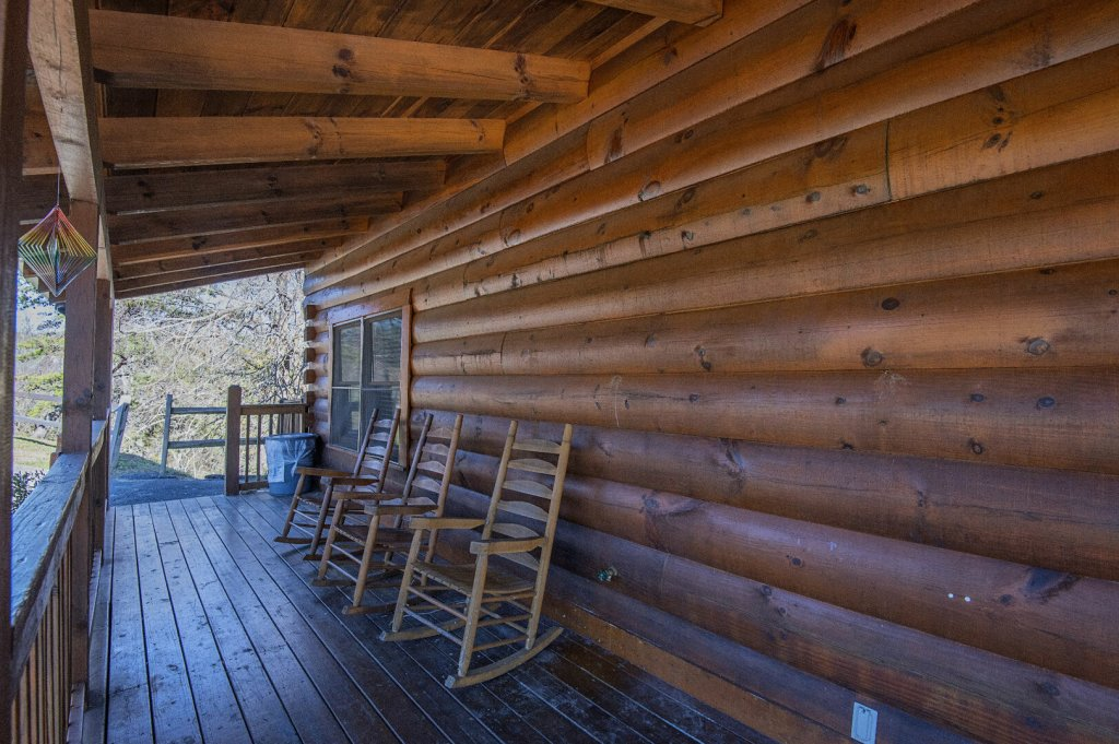 Photo of a Sevierville Cabin named  The Cedars - This is the thirty-second photo in the set.