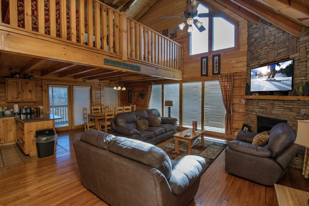 Photo of a Sevierville Cabin named  The Cedars - This is the third photo in the set.