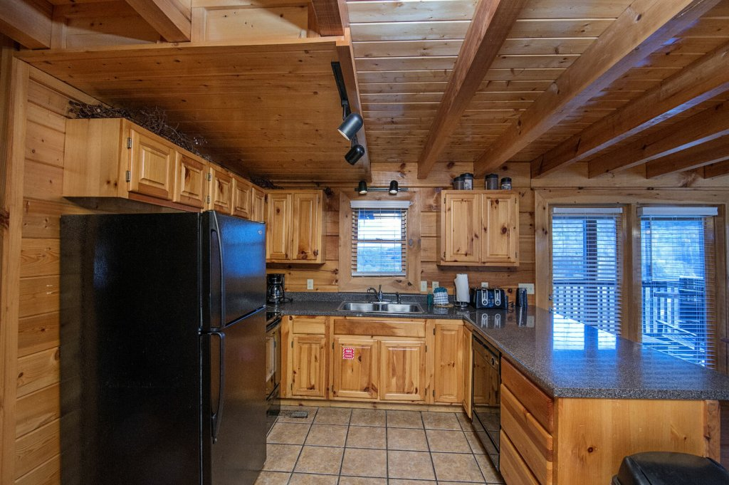 Photo of a Sevierville Cabin named  The Cedars - This is the sixth photo in the set.