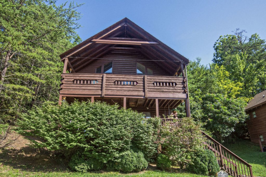 Photo of a Pigeon Forge Cabin named  A Bears Life - This is the first photo in the set.