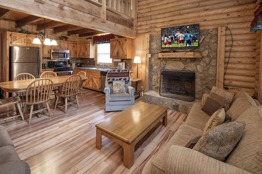 Photo of a Pigeon Forge Cabin named  Country Days - This is the second photo in the set.