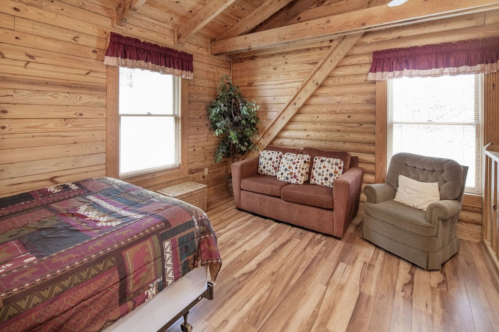 Photo of a Pigeon Forge Cabin named  Country Days - This is the thirteenth photo in the set.