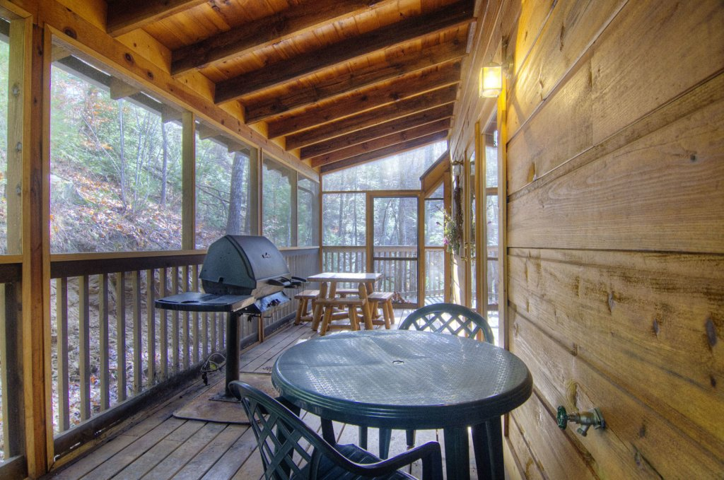 Photo of a Pigeon Forge Cabin named  Bearly Country - This is the tenth photo in the set.