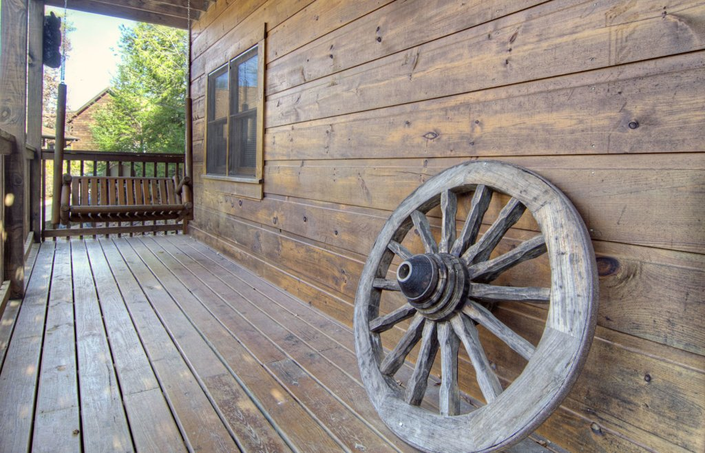 Photo of a Pigeon Forge Cabin named  Bearly Country - This is the eighth photo in the set.