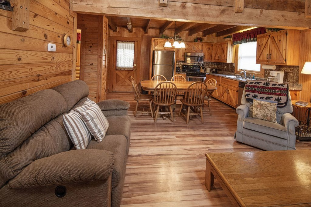Photo of a Pigeon Forge Cabin named  Country Days - This is the fourth photo in the set.