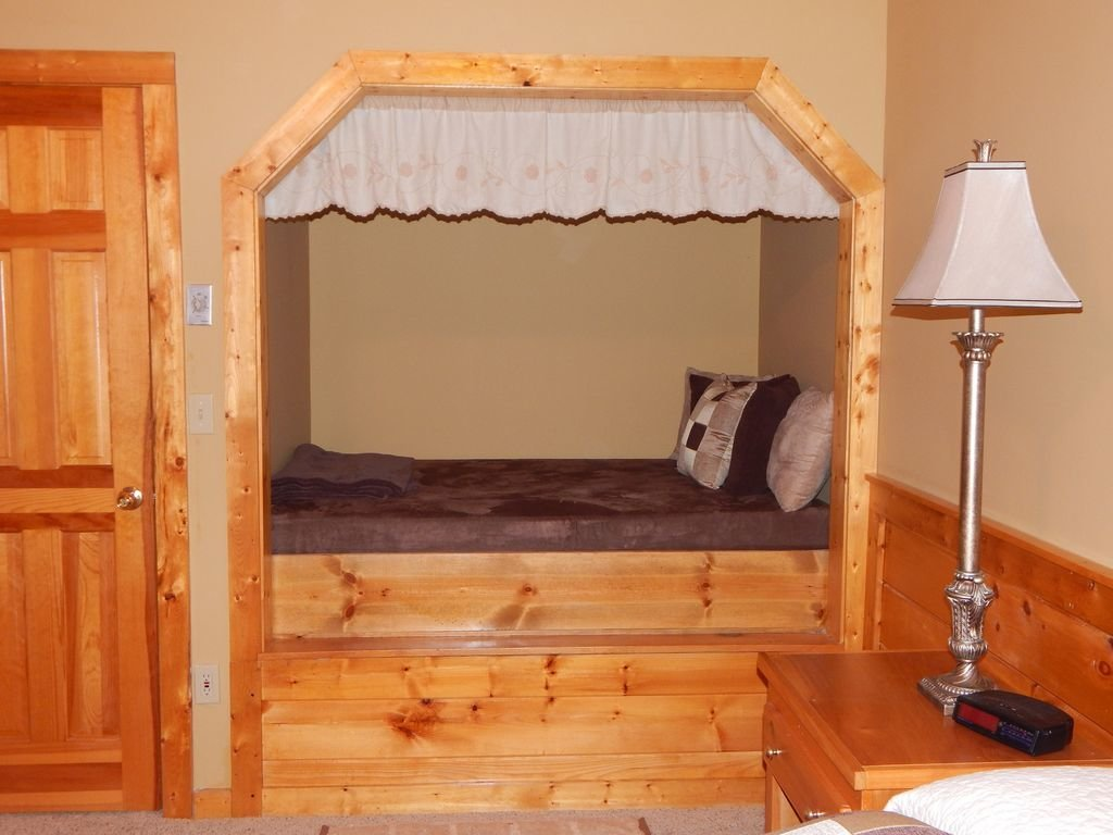 Photo of a Pigeon Forge Cabin named  Squirrel's Retreat - This is the third photo in the set.