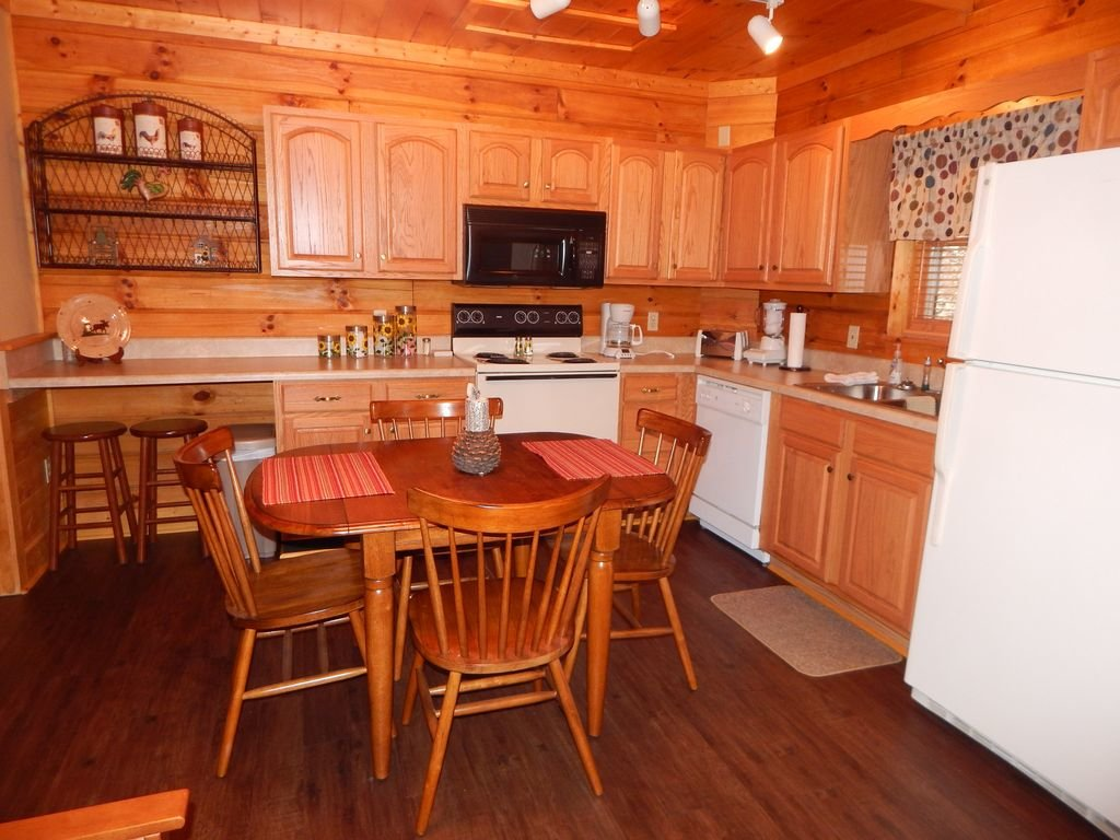 Photo of a Pigeon Forge Cabin named  Squirrel's Retreat - This is the fourteenth photo in the set.