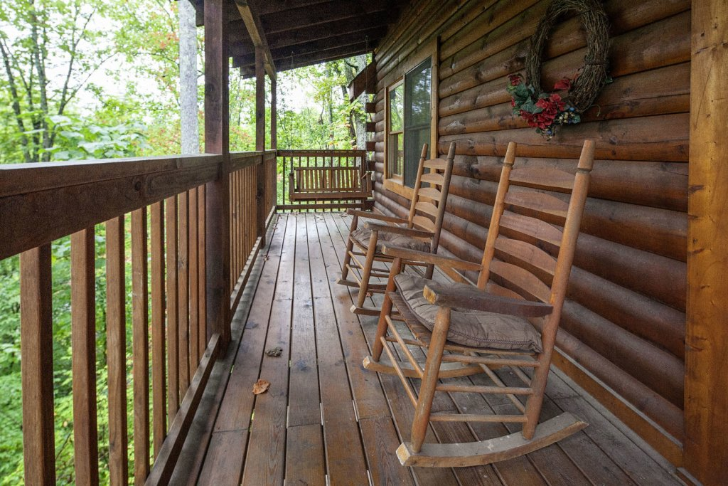 Photo of a Pigeon Forge Cabin named  Ya'll Come Back Now - This is the fourth photo in the set.